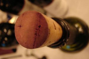 как отличить настоящее вино от подделки