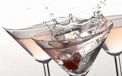 Коктейль Джеймса Бонда — мартини с водкой