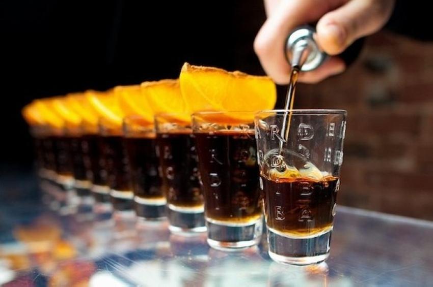 С чем пьют ром и чем его закусывают?