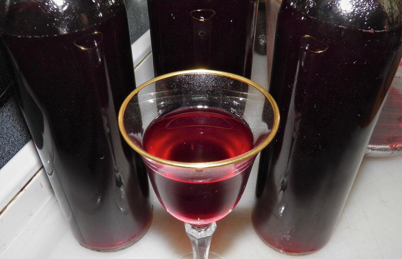 Как сделать вино из варенья без дрожжей и изюма