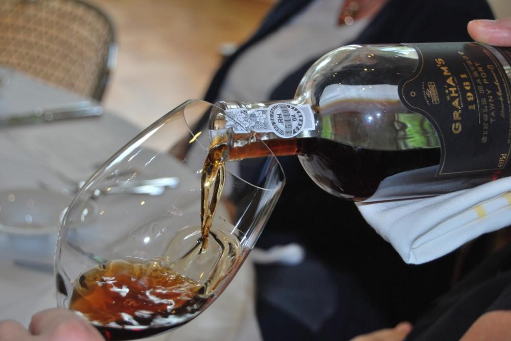 как правильно пить португальский портвейн